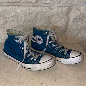 High top Converse Chuck Taylor Tennis shoes